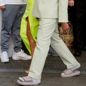 Αν σας τρόμαξε η σαγιονάρα με την κάλτσα του Kanye West, που να δείτε αυτό το παπούτσι