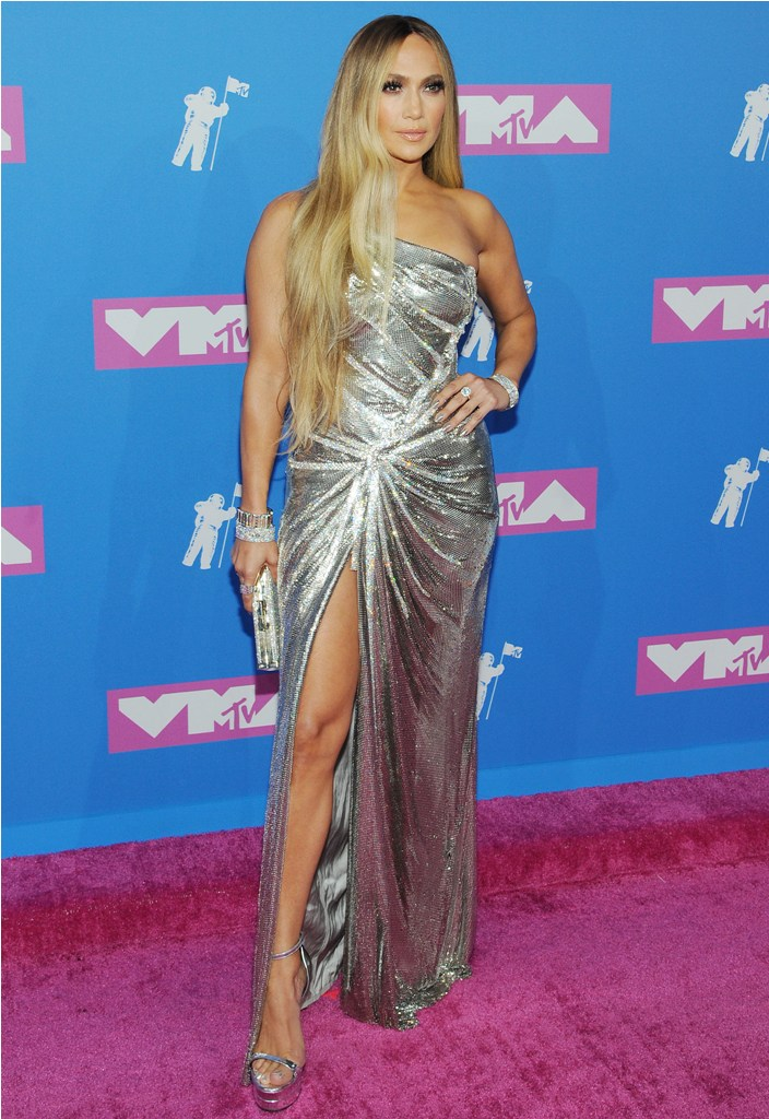 2018 MTV Video Music Awards in New York, NY.  Pictured: Jennifer Lopez Ref: SPL5017556 200818 NON-EXCLUSIVE Picture by: SplashNews.com  Splash News and Pictures Los Angeles: 310-821-2666 New York: 212-619-2666 London: 0207 644 7656 Milan: +39 02 4399 8577 Sydney: +61 02 9240 7700 photodesk@splashnews.com  World Rights, No France Rights