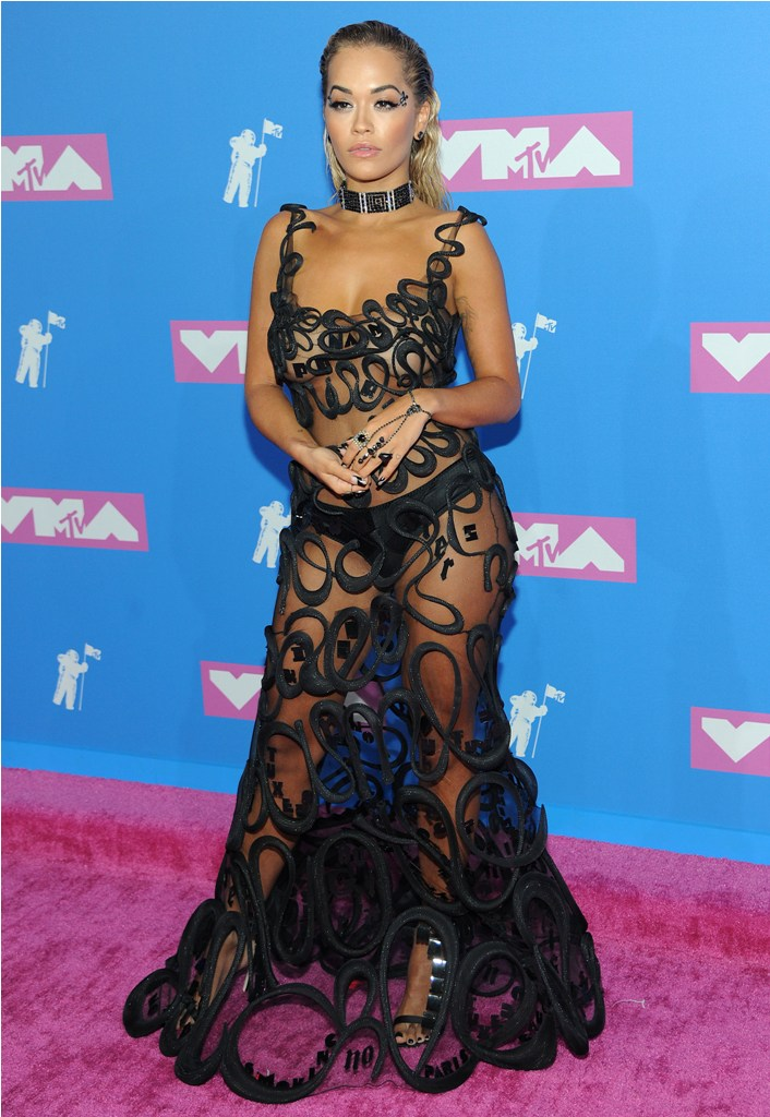 2018 MTV Video Music Awards in New York, NY.  Pictured: Rita Ora,Jennifer Lopez Ref: SPL5017556 200818 NON-EXCLUSIVE Picture by: SplashNews.com  Splash News and Pictures Los Angeles: 310-821-2666 New York: 212-619-2666 London: 0207 644 7656 Milan: +39 02 4399 8577 Sydney: +61 02 9240 7700 photodesk@splashnews.com  World Rights, No France Rights