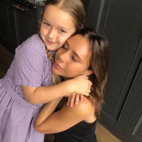 Like mother, like daughter: Η Harper Beckham με το χαρακτηριστικό κούρεμα της Victoria