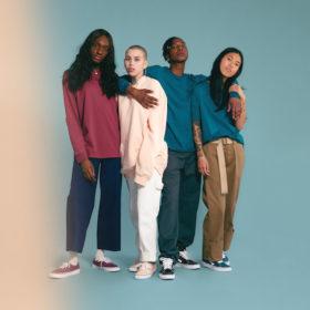 Το πιο cool brand παπουτσιών βγάζει μια unisex συλλογή σε iconic χρώματα