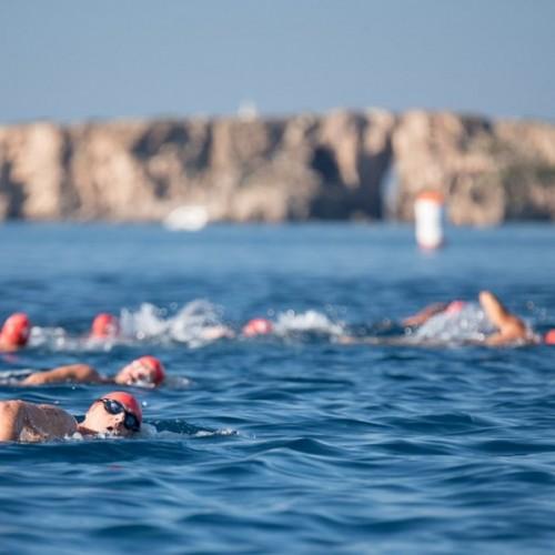 2-Navarino-Challenge-Swimming_by-Elias-Lefas homepage 600 X 600