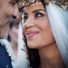 Μαρία Τζομπανάκη: Στην Ελλάδα μετά από καιρό η 62χρονη καλλονή (Πόσο chic εμφάνιση!)