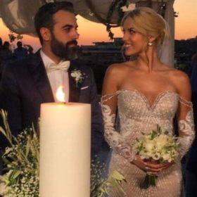 Η Μαντώ Γαστεράτου παντρεύτηκε! Το εντυπωσιακό νυφικό και το τέλειο post της κουμπάρας της
