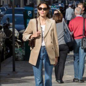 Η πιο στιλάτη celebrity φόρεσε ένα οικονομικό σακάκι από το αγαπημένο μας brand