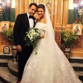 Γάμος αλά ελληνικά για την Μαρία Μενούνος: Φωτογραφίες από το γάμο και το γλέντι