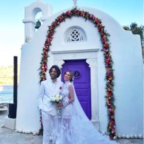 Αθηνά Οικονομάκου: Τελευταία (και σχεδόν καταϊδρωμένη) ανέβασε φωτογραφία από το γάμο της