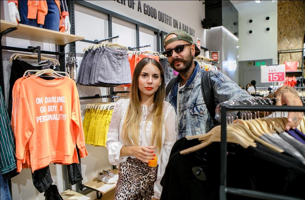 Μαριάντζελα Στέλλα  Fashion Stylist  της Pink Woman με τον σχεδιαστή Cris Παντελίδης