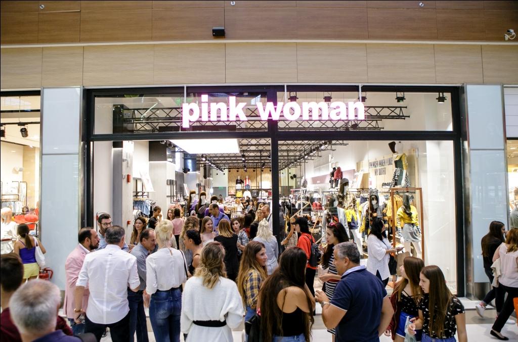 Pink Woman στο The Mall Athens
