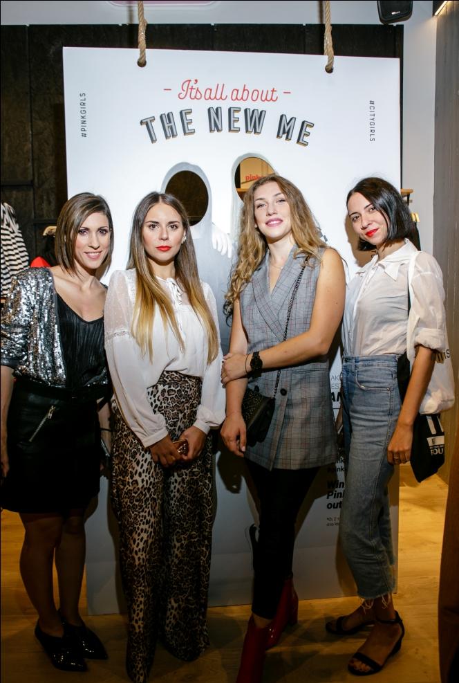 Νότα Σταύρου E-commerce Manager, Μαριάντζελα Στέλλα Fashion Stylist, Ina Lasko Marketing Coordinator, Aφροδίτη Σακκά Fashion Editor του Jenny.gr