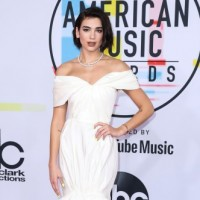 LOS ANGELES, CA, USA - OCTOBER 09: Singer Dua Lipa wearing a Giambattista Valli gown and Cartier jewelry arrives at the 2018 American Music Awards held at the Microsoft Theatre L.A. Live on October 9, 2018 in Los Angeles, California, United States. (Photo by Xavier Collin/Image Press Agency/Splash News) Pictured: Dua Lipa Ref: SPL5032425 091018 NON-EXCLUSIVE Picture by: Xavier Collin/Image Press Agency/Splash News / SplashNews.com Splash News and Pictures Los Angeles: 310-821-2666 New York: 212-619-2666 London: 0207 644 7656 Milan: +39 02 4399 8577 Sydney: +61 02 9240 7700 photodesk@splashnews.com World Rights