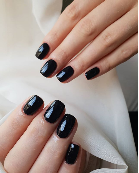 dark nails 2