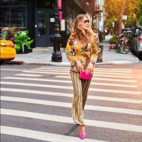 H Sarah Jessica Parker ξαναβγαίνει με πιτζάμες και μας δίνει #stylegoals