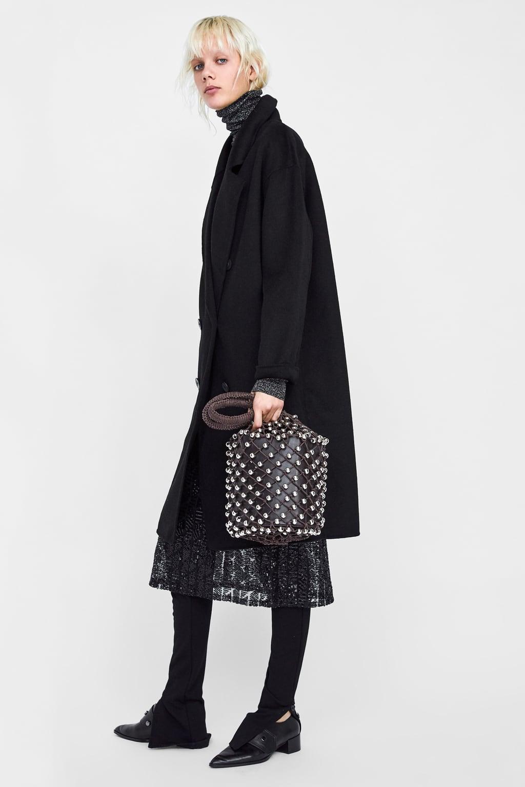 Ένα μαύρο παλτό είναι πάντα πασπαρτού και αυτό το κομμάτι από το αγαπημένο  σας megabrand είναι αυτό που χρειάζεστε αν δεν θέλετε πολλά παλτού στη  ντουλάπα ... f5023353076