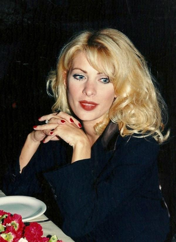 Eleni Menegaki Ελένη Μενεγάκη ξανθά μαλλιά 1998