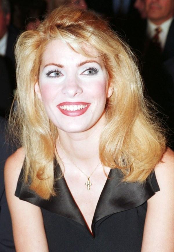 Eleni Menegaki Ελένη Μενεγάκη ξανθά μαλλιά 1997