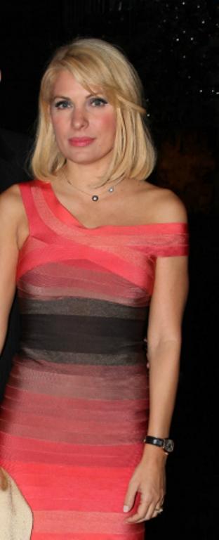 2009 Eleni Menegaki Ελένη Μενεγάκη ξανθά μαλλιά