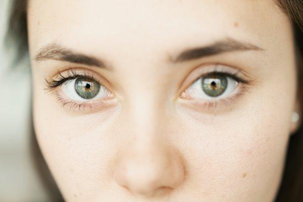 eyes close up μαύροι κύκλοι