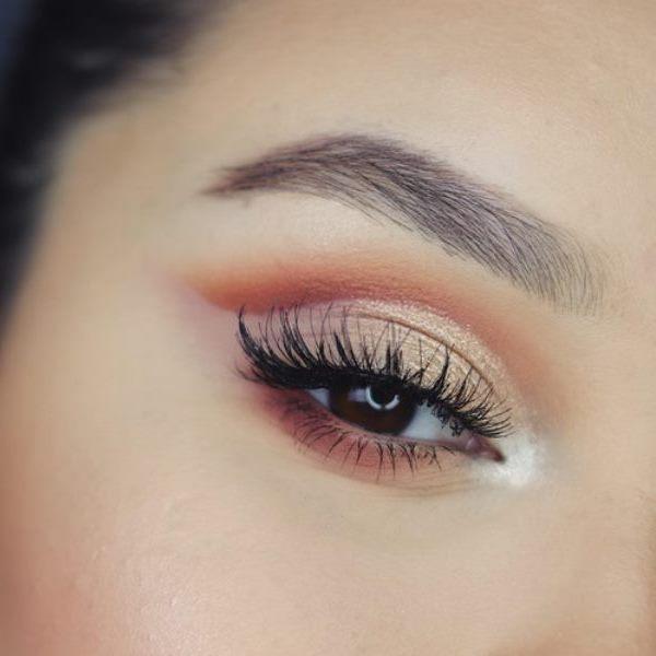 πυκνά φρυδια woman eyebrow 600x600 σειρά στο μακιγιάζ