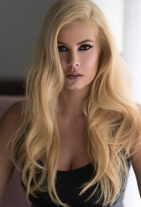 Να πώς πέτυχε το απόλυτο ξανθό η Μαρία Κορινθίου - Ομορφιά  f0c5fda5a38