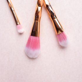 Αυτή είναι η σωστή σειρά για να χρησιμοποιήσετε τα προϊόντα μακιγιάζ
