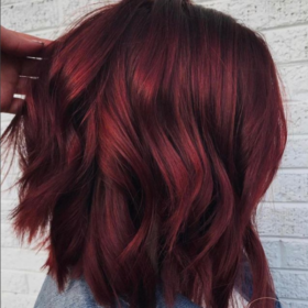 Tο νέο hair trend στο χρώμα μαλλιών που μας φτιάχνει τη διάθεση
