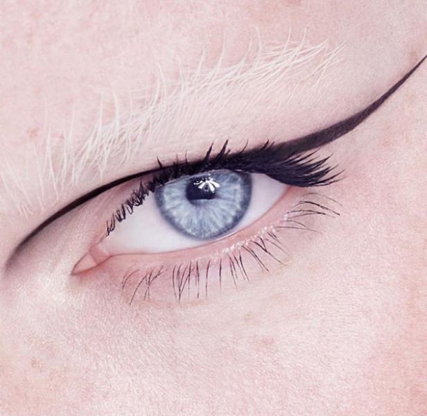 eyeliner της Kendall Jenner