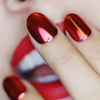 red nails κόκκινο βερνίκι