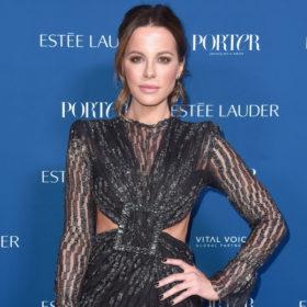 Η Kate Beckinsale δείχνει πολύ νεότερη από 45 χάρη σε μία αμφιλεγόμενη θεραπεία