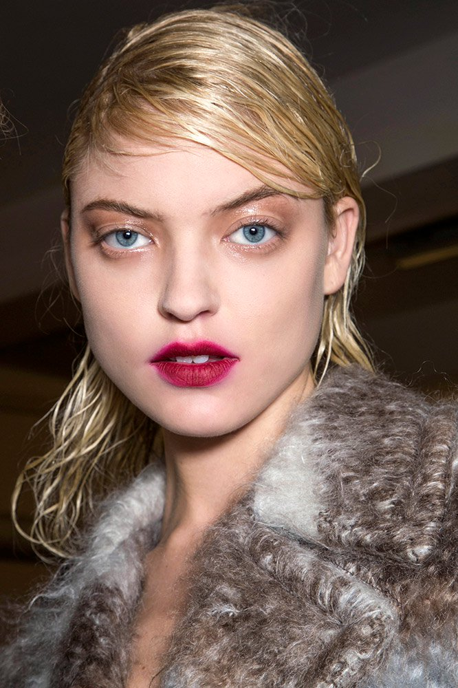 marni-fall-2013-blurred-burgundy-lipstick