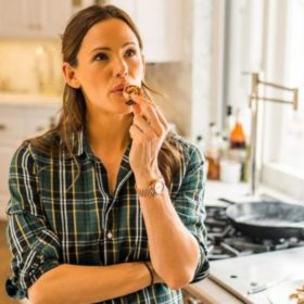 Jennifer Garner: Μας δίνει τη συνταγή για την πιο χορταστική σαλάτα