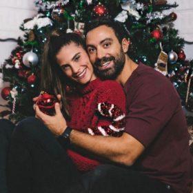Σάκης Τανιμανίδης – Χριστίνα Μπόμπα: Το χριστουγεννιάτικο δέντρο που στόλισαν μαζί (pics)