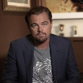 O Leonardo DiCaprio παίζει βόλεϊ και το Internet δεν μπορεί να σταματήσει το γέλιο