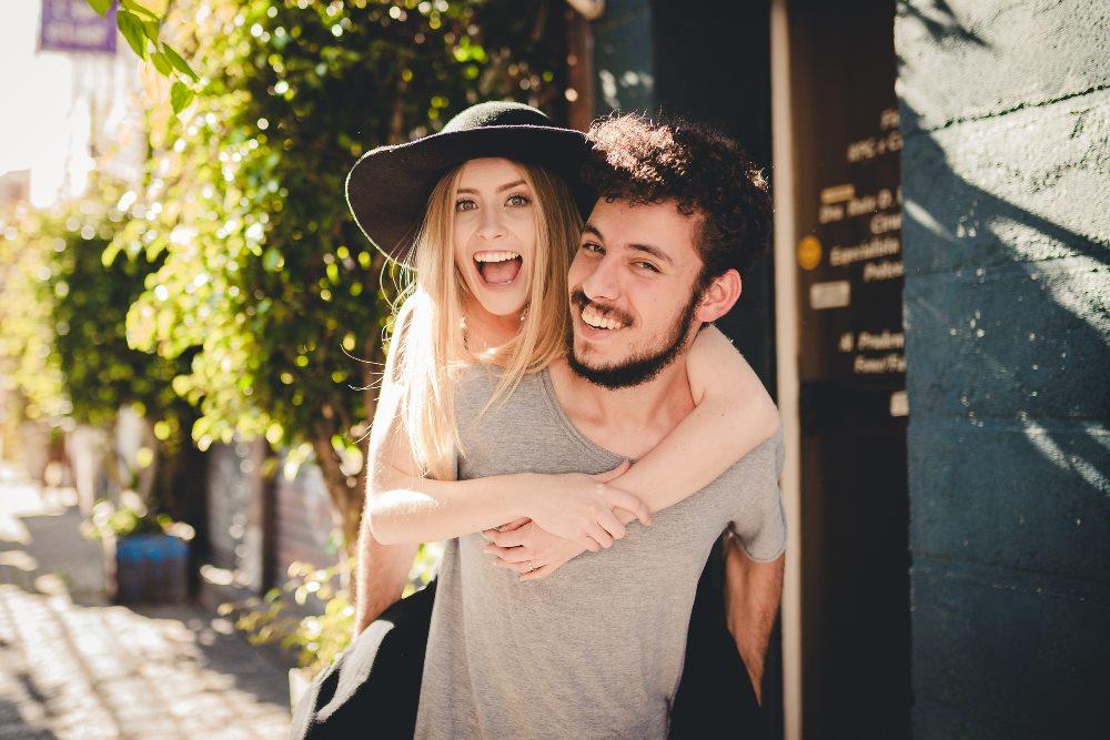 Dating κορίτσι με πρώην φίλο