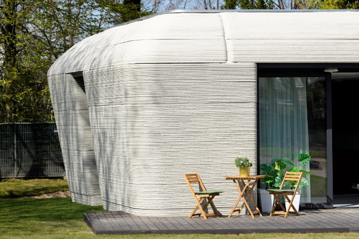 First tenants move into 3D-printed home in Eindhoven-1